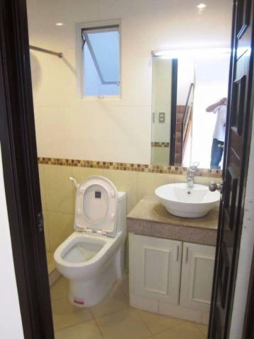 4 Bedroom 3 storey town house and lot for Rent in angeles city - 1