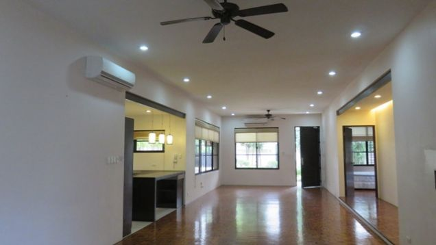Bungalow House and Lot for rent in Lahug - 2