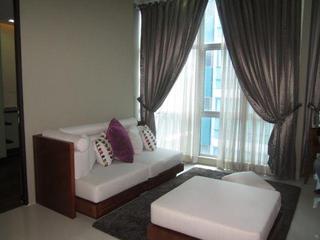 3 bedroom Sapphire Residences BGC - 1