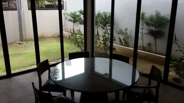 Spacious Bungalow House for Sale in Lahug - 6