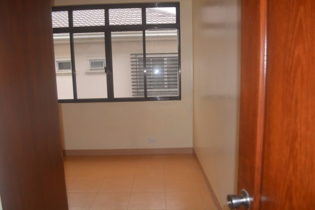 Lahug townhouse with 3 bedrooms unfurnished inside gemsville P27K - 7