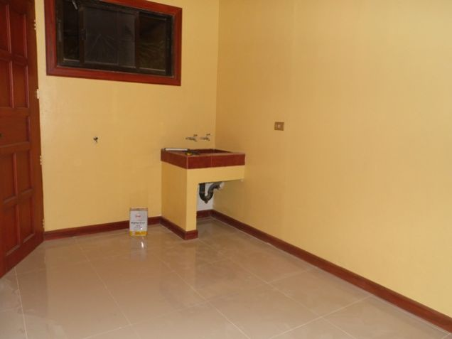 Bungalow House with 3 Bedroom For Rent near SM Clark -38K - 1