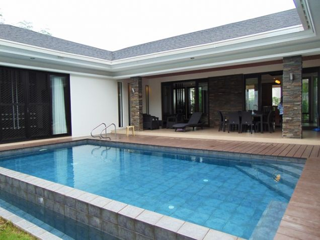 4 Bedrooms Nice House with Swimming Pool for Rent in Banilad, Cebu City - 0
