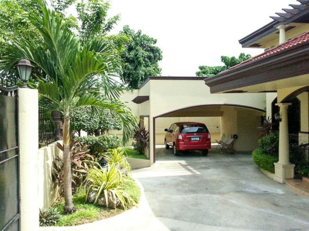 3 Bedroom House with Swimming Pool for Rent in Cebu Maria Luisa Park - 1