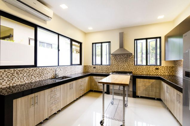 Brand New 5 Bedroom House for Rent in Maria Luisa Park - 7