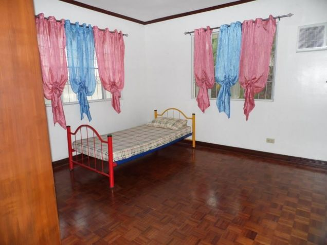(3)Three Bedroom Furnished House and Lot For Rent - 9