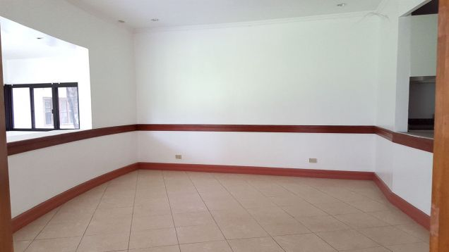Spacious 4 Bedroom House for Rent in Cebu City Banilad - 3
