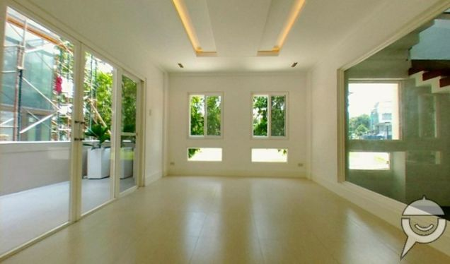 Brand New 4 Bedrooms House and Lot For Sale in Mckinley Hill Village - 5