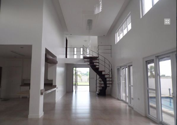 5Bedroom w/pool house & Lot for RENT in Hensonville Angeles City.. - 4