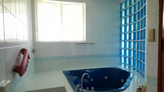 5 Bedroom House with Swimming Pool for Rent in Maria Luisa Cebu - 9