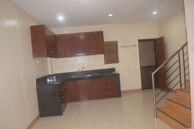 Lahug townhouse with 3 bedrooms unfurnished inside gemsville P27K - 6