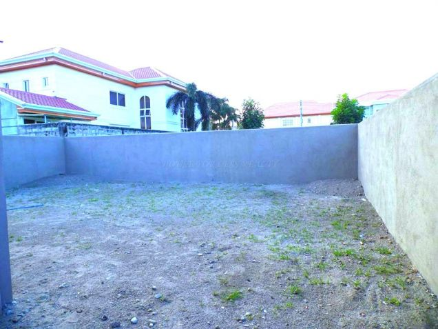 House In Angeles City With Garden For Rent - 8