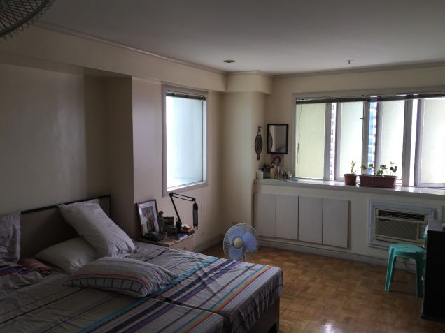 Pioneer Highlands Mandaluyong Three Bedroom for Sale with Balcony - 1