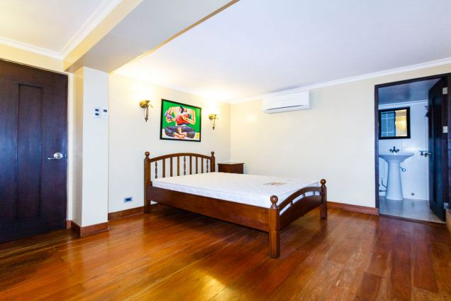 Spacious 5 Bedroom House for Rent in Maria Luisa Park - 1