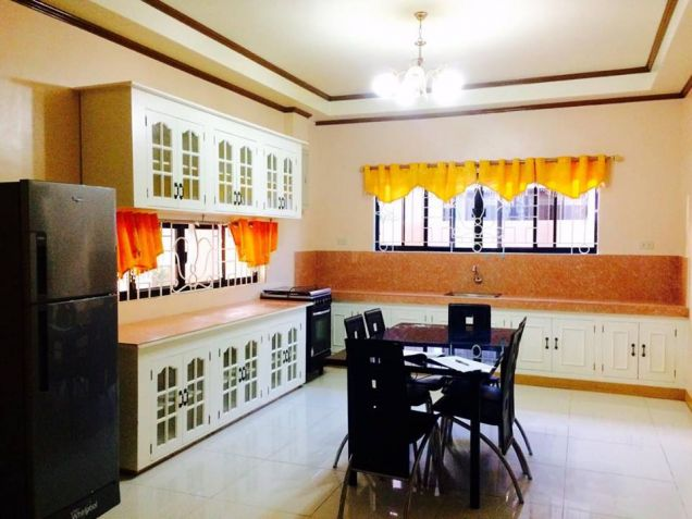 3 Bedroom Furnished Bungalow House and lot for Rent in a High End Subdivision - 9