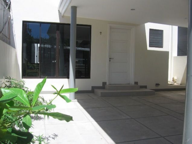5-Bedroom BrandNew House for office or residential located in Banilad Semi-furnished - 0
