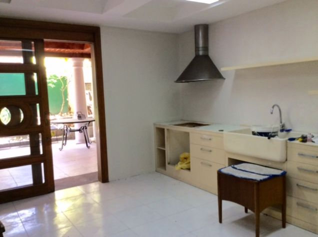 White  Plains Spacious House For Sale - Quezon City - 2