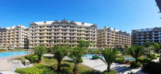 Verawood Residences 3 Bedroom Condo in Acacia Estates Taguig near BGC! - 4