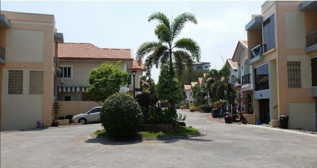 2 Storey Townhouse for RENT in Angeles City Walking distance to Fields Avenue - 0