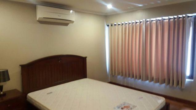 5 bedroom house in Maria Luisa - 1