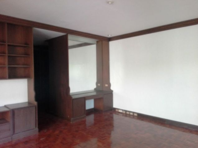 600sqm Bungalow House & Lot For Rent In Angeles City Near Nepo Mall - 2