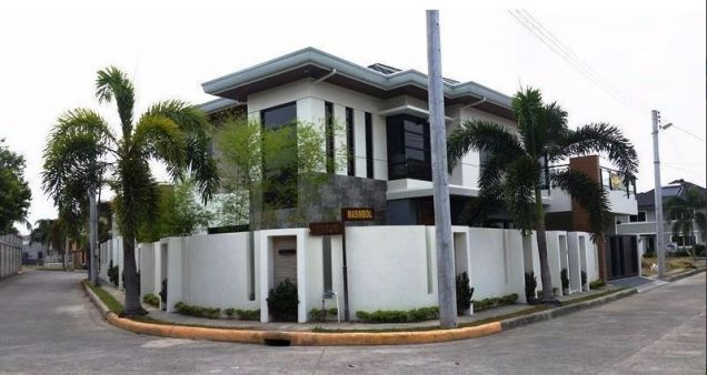 House and lot with 4 bedrooms & swimming pool in Angeles FOR RENT @130K - 0