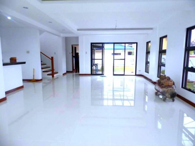 Three Bedroom House With Pool For Rent In Pampanga - 5