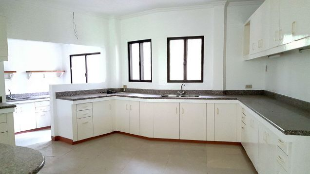 Spacious 4 Bedroom House for Rent in Cebu City Banilad - 2