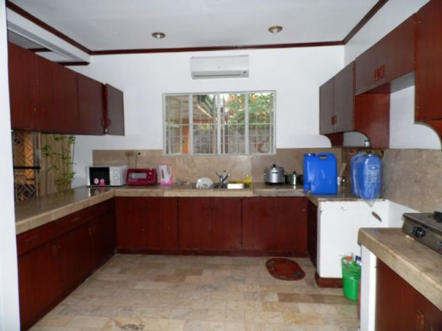 Corner Lot w/ Huge Yard House & Lot For RENT In Friendship Angeles City - 5