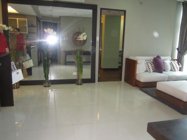 3 bedroom Sapphire Residences BGC - 8