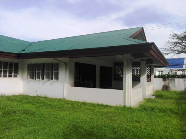 550sqm Bungalow House & lot for rent in Frienship,Angeles City - 6
