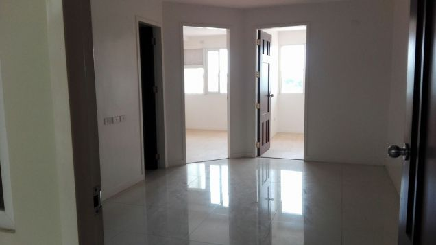 2 bedroom unit for sale in Linmarr Towers - 0