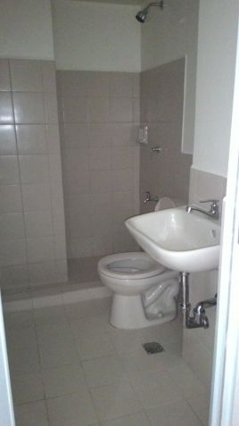 Condo in Mandaluyong near Ortigas 1Bedroom Term payment available RFO - 9