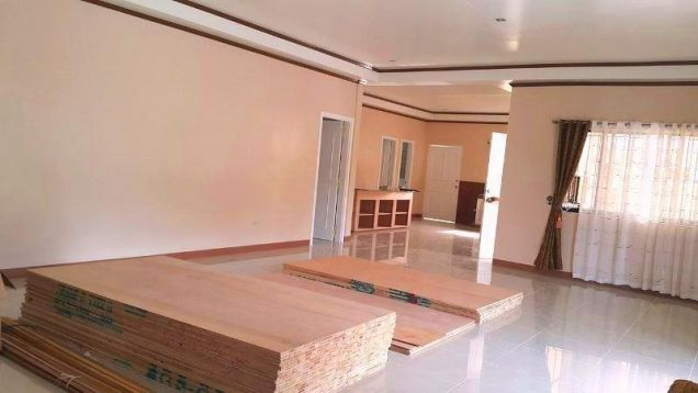 BUNGALOW House & Lot For RENT or SALE In Angeles City Near CLARK - 2