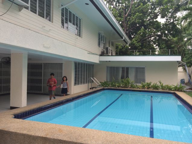 Dasmarinas Village Makati House Classic Style for rent - 0