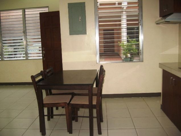 Apartment, 4 Bedrooms Semi Furnished for Rent in Mabolo, Cebu City - 8