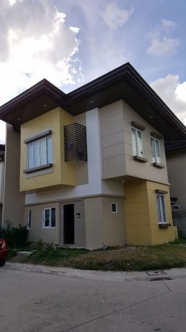 4 Bedrooms Single Attached Furnished House For Rent in Minglanilla, Cebu - 1