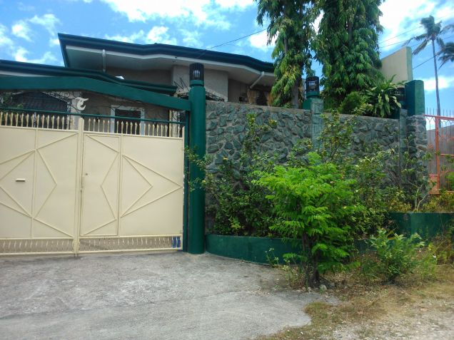 For Rent: House and Lot in Talisay - 1