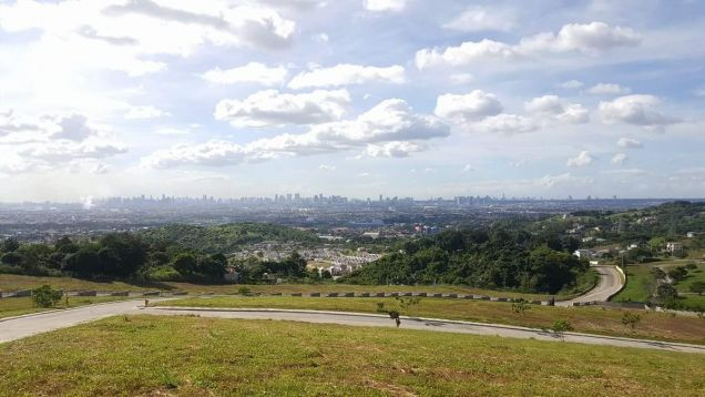 Lot in Taytay Rizal with view of Metro Manila and Laguna de Bay - 1