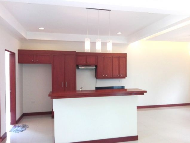 4 Bedroom House with Swimming pool for rent - 70K - 7