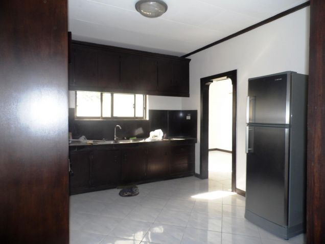 Bungalow house and lot for rent with 3BR in Angeles - 35K - 8