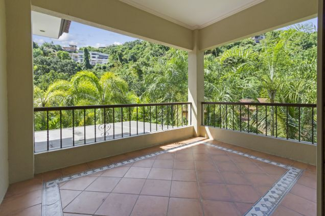Spacious 3 Bedroom House with Swimming Pool for Rent in Maria Luisa Park - 4
