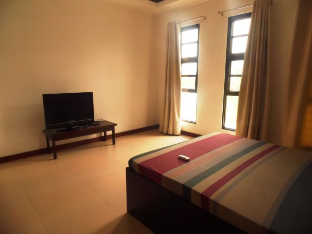5 Bedroom Furnished House & Lot For Rent In Hensonville,Angeles City .. - 2