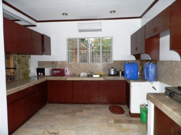 Bungalow House w/ Spacious yard for rent in Angeles City, Pampanga @P50K - 6