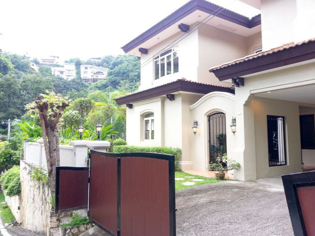 Spacious 4 Bedroom House with Swimming Pool for Rent in Maria Luisa Cebu - 0