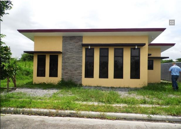 This Bungalow House with Spacious Living room at P25K - 0
