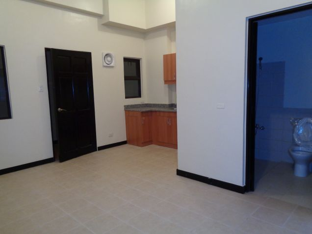 DMCI Taguig Affordable 2BR Condo Cypress Tower Ready for occupancy nr Fort - 9