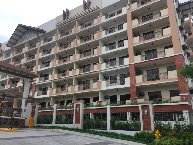 2BR RFO Condo Unit Near Eastwood Ateneo Ayala Mall LRT Resort-Type Condominium - 8