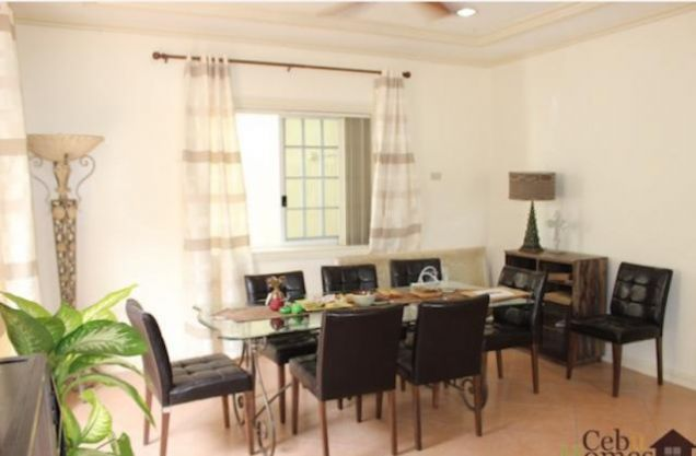 For Rent Three Bedrooms Townhouse in Villa Terrace - 3