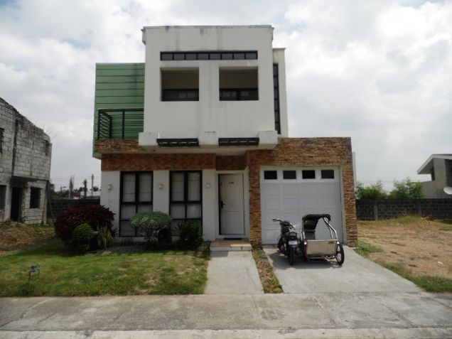 2-Storey House and Lot for Rent in Friendship, Angeles City - 0